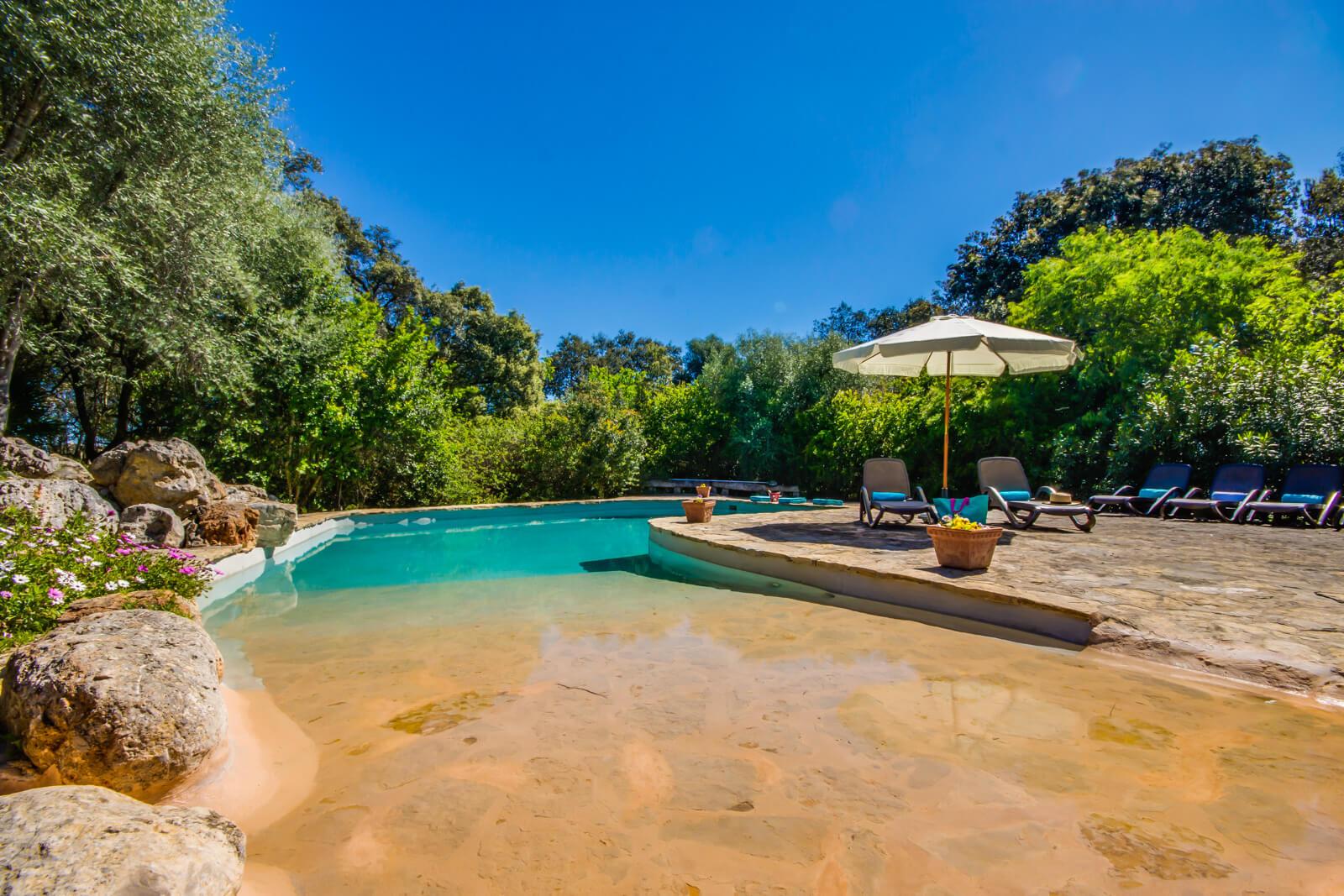 Finca Rural stufenloser Eintritt zum Pool