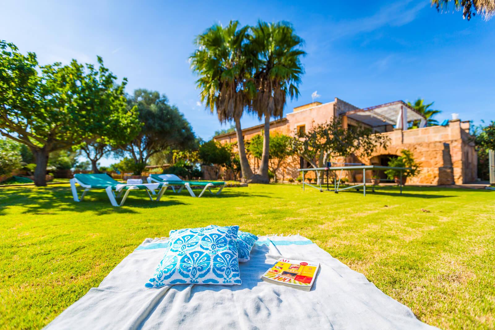 Appartement Miguel III Garten Tischtennis