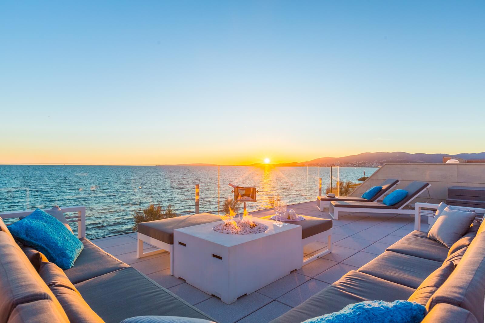 Luxusvilla In 1. Meereslinie Mit Blick