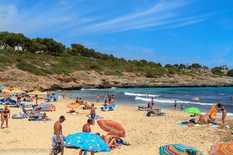 Strand Cala Mendia
